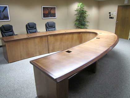 Ushapedconferencetablewoodaeroflex HardroxHardrox - V shaped conference table